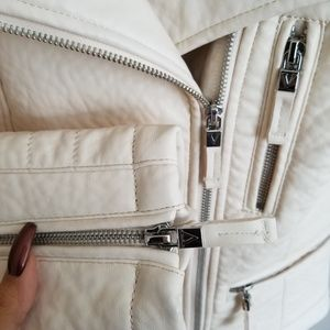 Vince Camuto Jackets & Coats - ❌BIG SALE❌NEW VINCE CAMUTO FAUX LEATHER JACKET